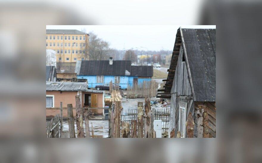 Dėl nugriautų namų 19 čigonų taboro gyventojų gaus 55 tūkst. Lt