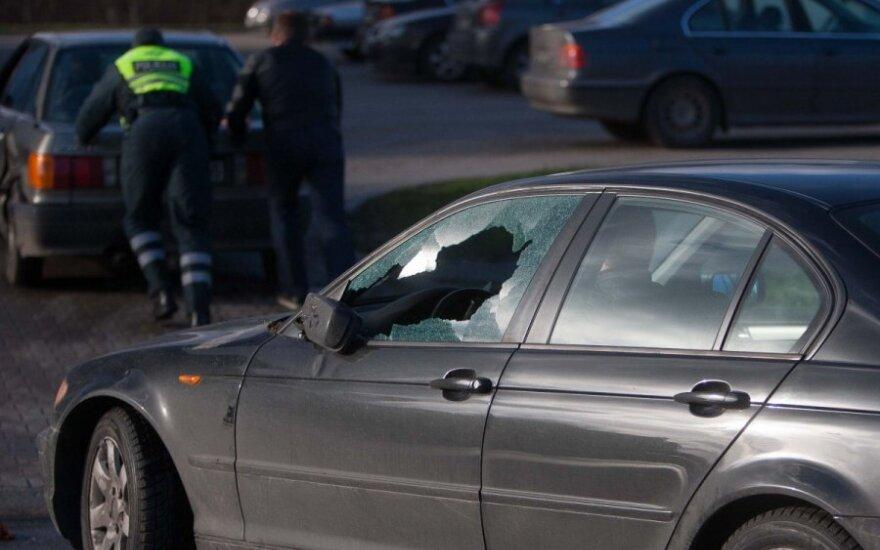 Kalvarijų gatvėje apvirto automobilis