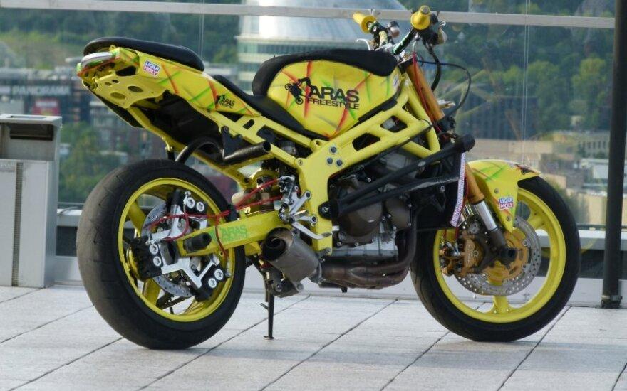 Motoakrobato Arūno Gibiežos motociklas