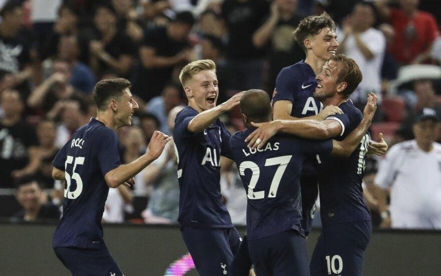 """Įspūdinga: Kane'as įvarčiu iš vidurio aikštės patiesė """"Juventus"""""""