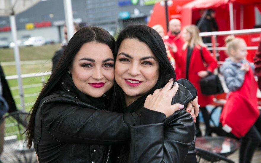 Giulija su dukra Monika