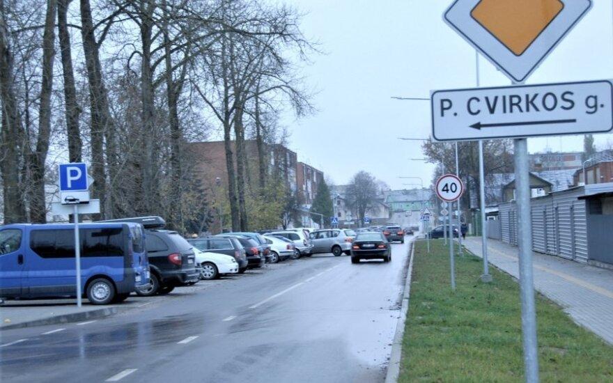 Ukmergėje – eismo pokyčiai: daugiau ženklų, nauja pėsčiųjų perėja ir automobilių stovėjimo ribojimai