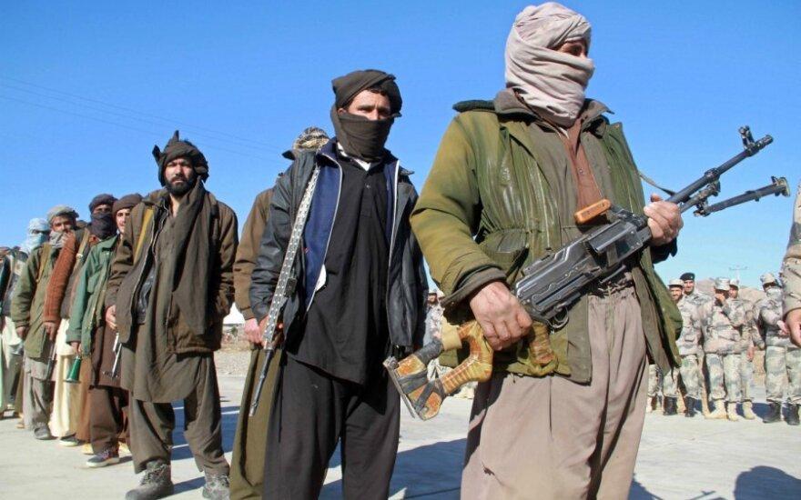 Talibai sužeidė Afganistano senatorę ir nužudė jos dukterį