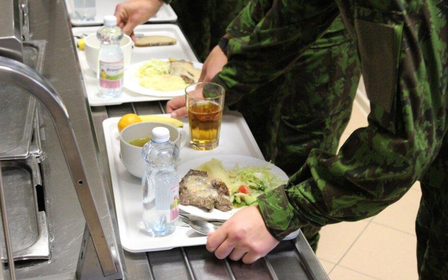 Vienuoliktoko nesužavėjo pasiūlymas tarnauti kariuomenėje: geriau emigruos