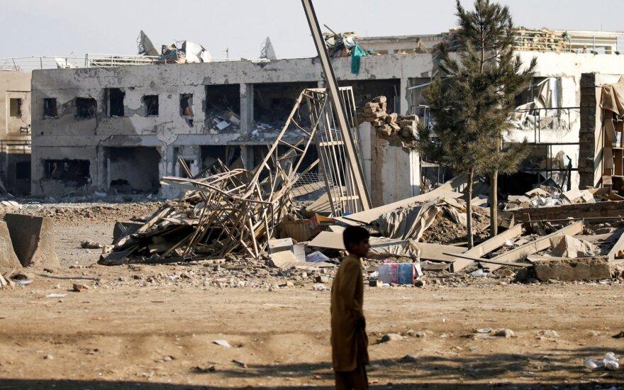 Iš Afganistano paleistas sprogmuo Pakistane pražudė septynis vienos šeimos narius