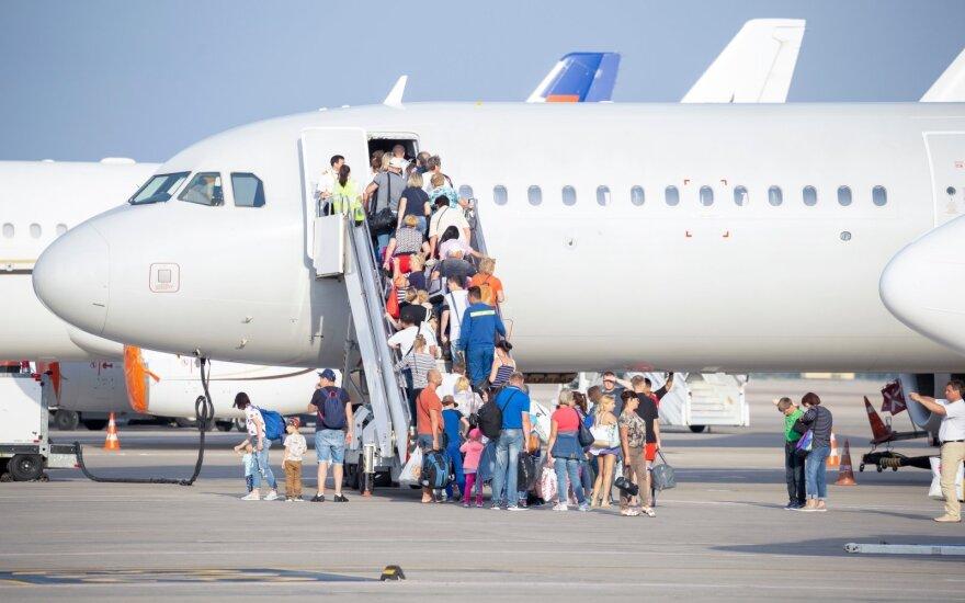 Keliavimo taisyklių pokyčiai kelia chaosą niekuo dėtiems keleiviams