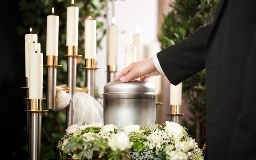 Lietuvių požiūris į kremavimą kinta