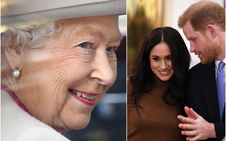 Karalienė ir Meghan Markle su princu Harry