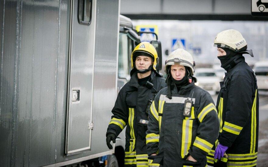 """Vilniaus geležinkelio stotyje — operacija """"Skydas"""": rastas įtartinas lagaminas"""