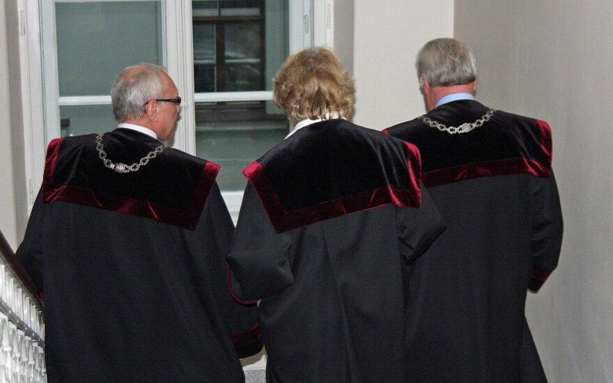 Teisėjų korupcijos skandalas smogė kaip reikiant: dabar jau retas išdrįstų siūlyti kyšį