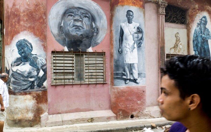JT ragina JAV nutraukti embargą Kubai