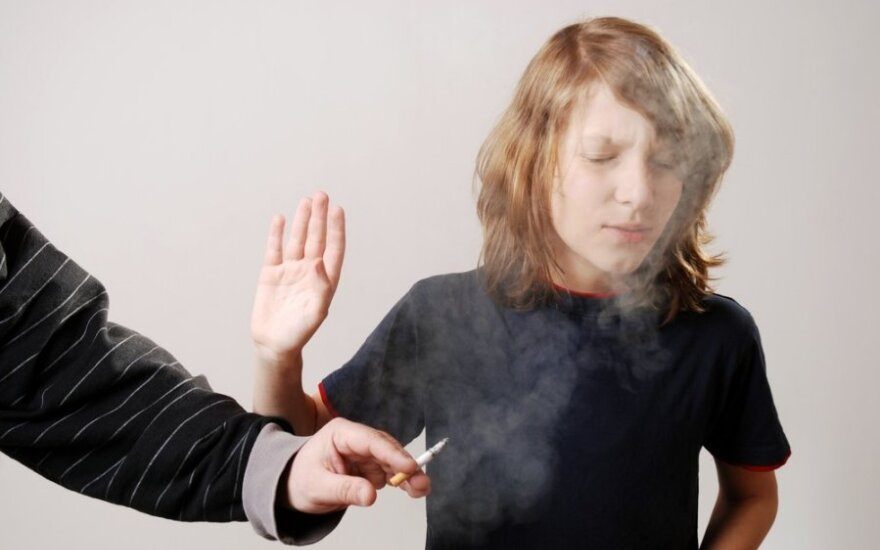 """Rūkančiam jaunimui: kas geriau, siekti ilgalaikių tikslų ar """"chillinti""""?"""