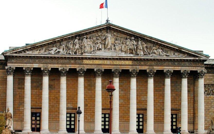 """Iš Prancūzijos konstitucijos išbrauktas žodis """"rasė"""""""