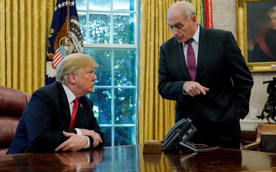 Donaldas Trumpas, Johnas Kelly