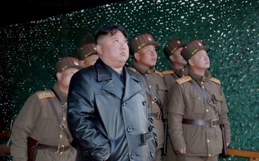 Jeigu ne Kim Jong Unas, tai kas? Galimi Šiaurės Korėjos lyderio įpėdiniai