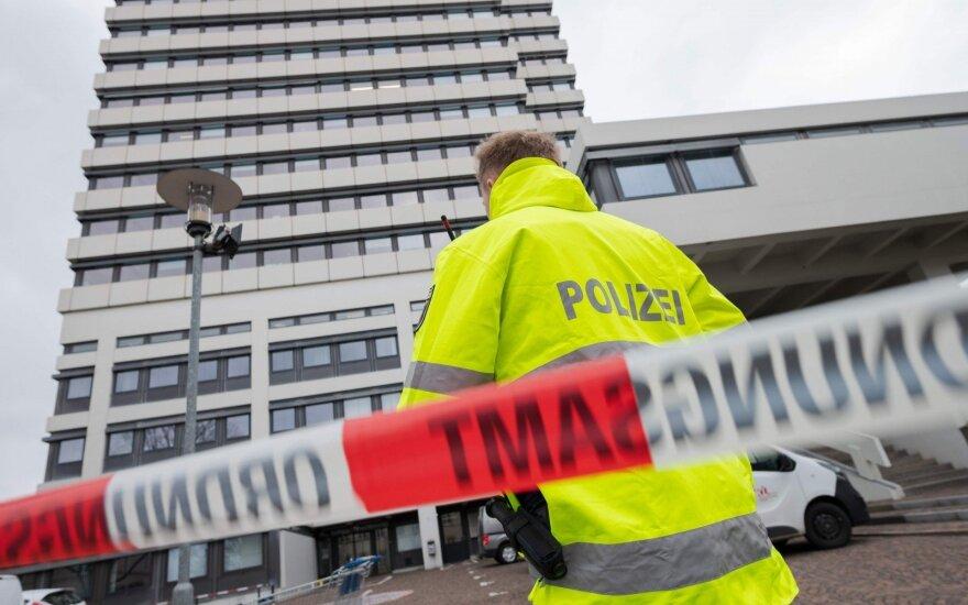 Vokietijoje policija suėmė 10 asmenų, įtariamų planavus teroro išpuolį