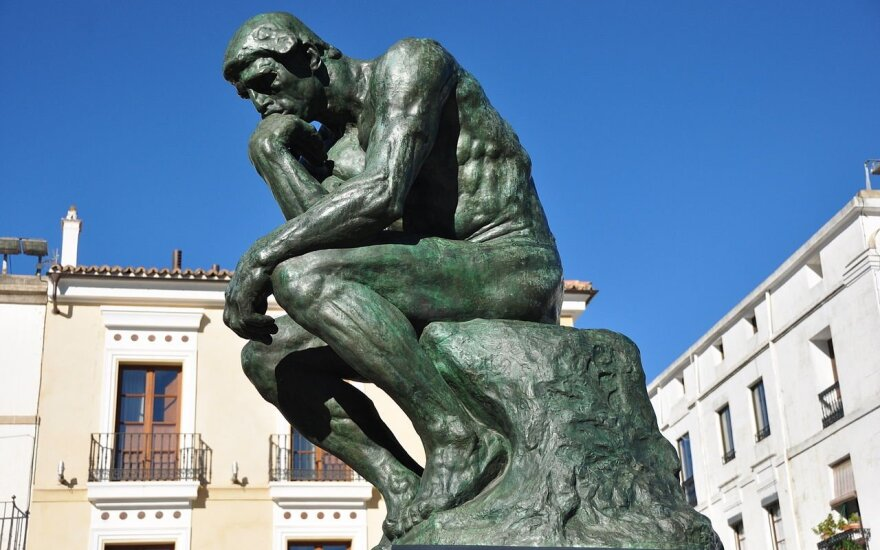 """""""Mąstytojas"""" - viena garsiausių bronzinių skulptūrų pasaulyje"""