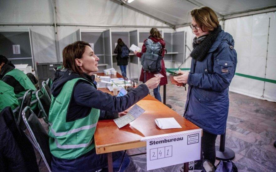 Olandai balsuoja provincijų rinkimuose
