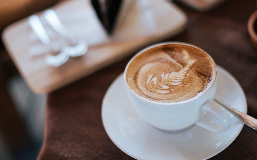 Mitybos specialistės patarimai: gerkite kavą iki 10 val., cukrų keiskite cinamonu