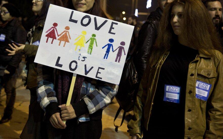 Lietuviai vis dar neigiamai nusistatę dėl homoseksualų santuokų ir partnerystės įteisinimo