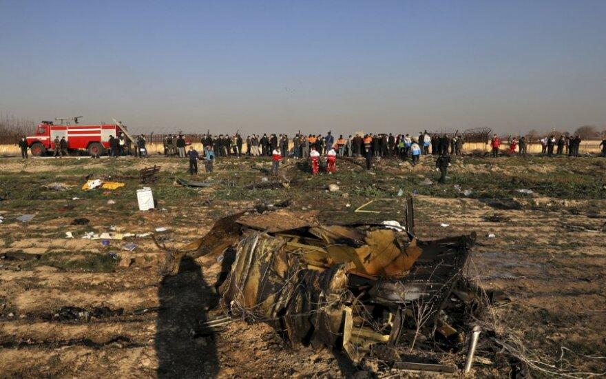 Irano diplomatijos vadovas: žmonėms buvo meluojama dėl lėktuvo katastrofos