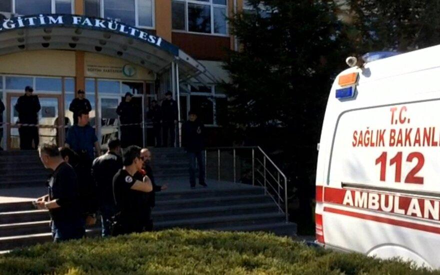 Turkijos universitete nušauti keturi darbuotojai