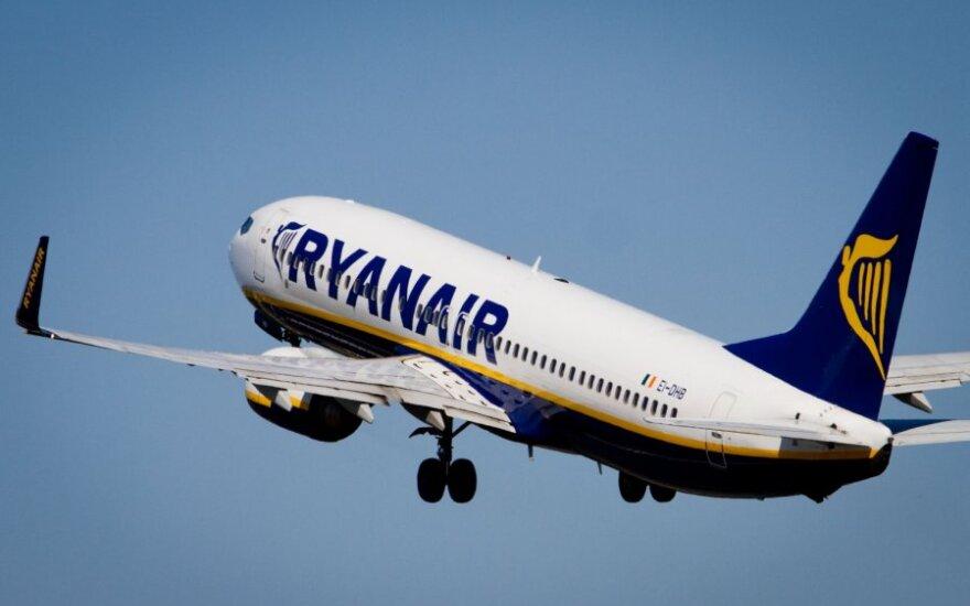 """""""Ryanair"""" uždirbo mažiau nei tikėtasi"""