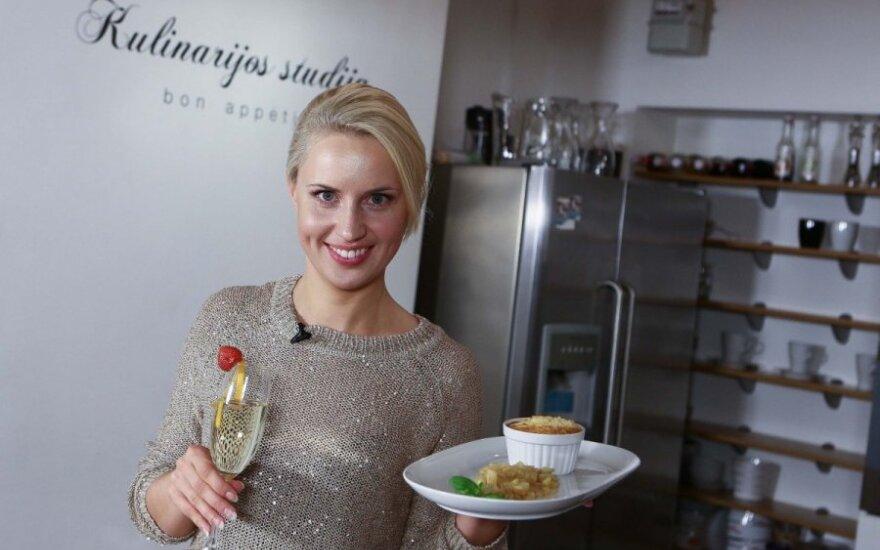Daina Baumilė gamina pusryčius