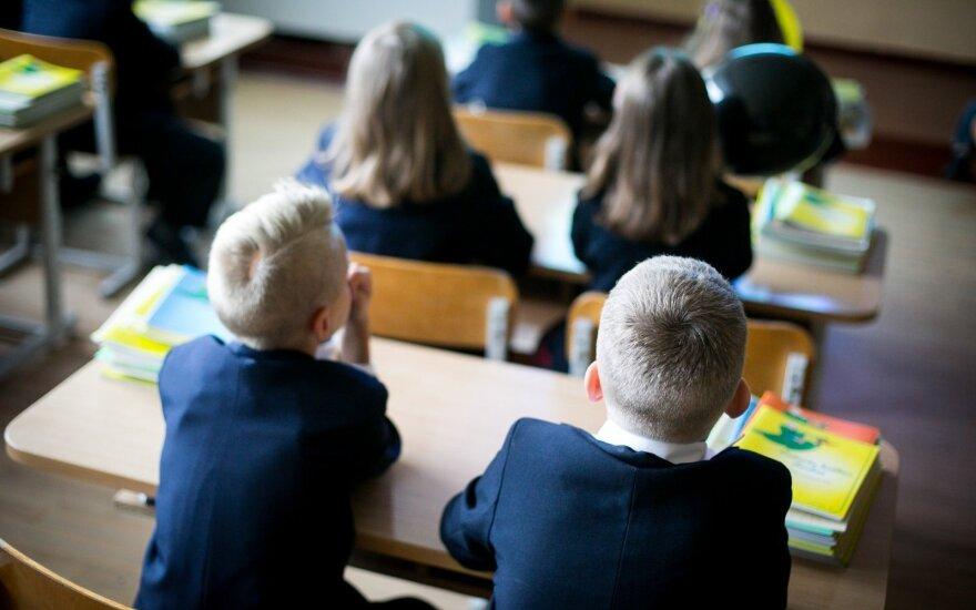 Pati išgyvenusi pragarą, perspėja kitus: į mokyklas įsileido sektą, sąraše – ir prestižinės ugdymo įstaigos
