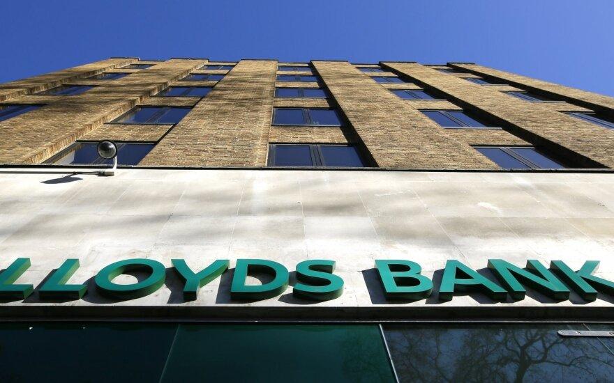 """Didžiosios Britanijos vyriausybė kol kas neparduos banko """"Lloyds"""" akcijų"""