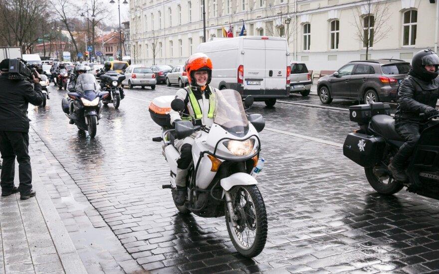 Laikykitės: policijos motociklai išriedėjo į gatves