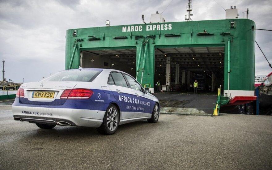 Nuo Afrikos iki Anglijos – su vienu degalų baku / Mercedes UK nuotr.