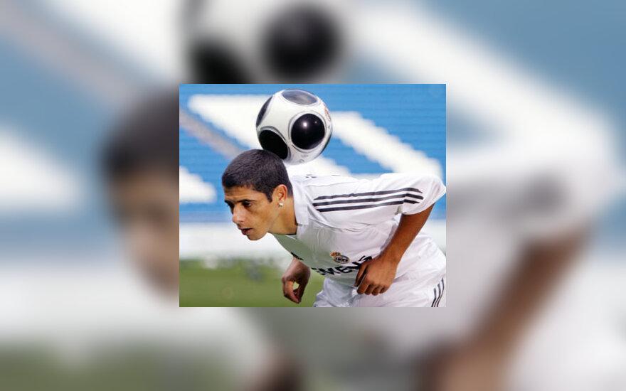 """Madrido """"Realo""""  žaidėjas brazilas Cicinho"""