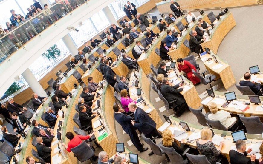 Seimas pailgino laikotarpį, skirtą referendumui organizuoti