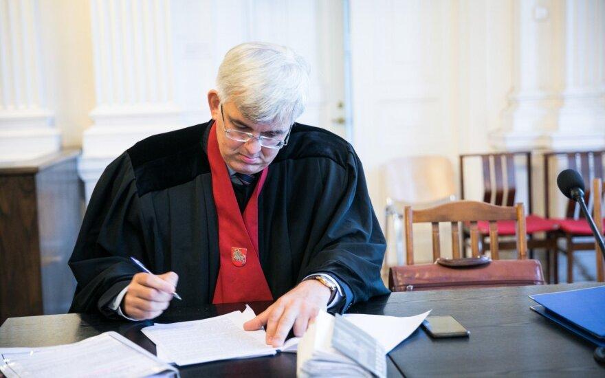 Kurlianskio advokatas kaltina prokurorą Laucių kerštavimu, ragina jį nušalinti