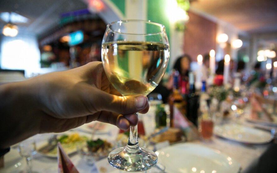 VMI: alkoholio akcizų pajamos pernai išaugo beveik 5 proc.