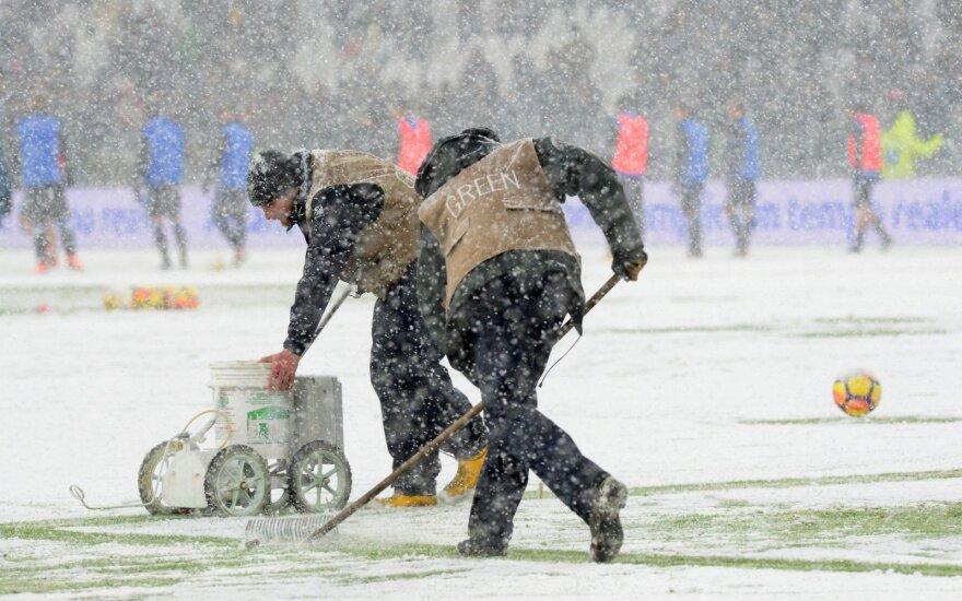"""Turino """"Juventus"""" ir """"Atalanta"""" mačas neįvyko dėl gausiai iškritusio sniego"""