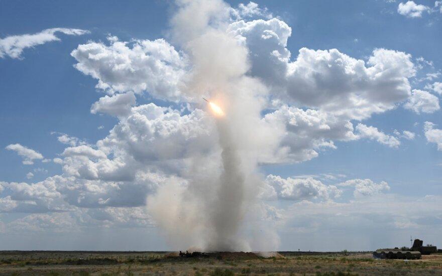 Pasitraukusios iš INF sutarties JAV išbandė vidutinio nuotolio sparnuotąją raketą