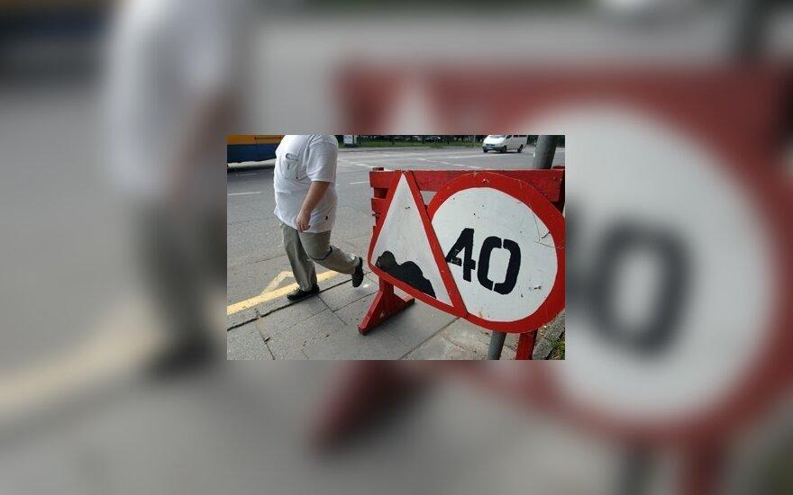 Kelininkai: šalies kelių infrastruktūrai gresia katastrofa