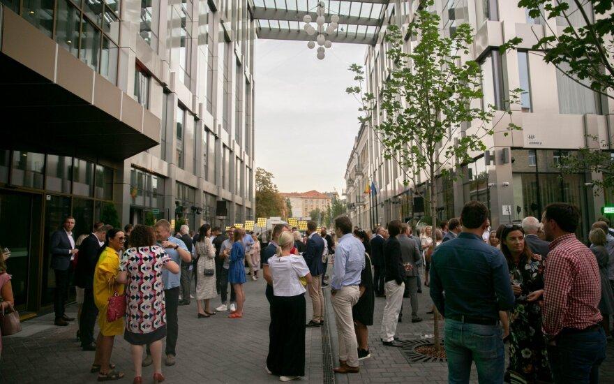 """Teismas: 49 mln. eurų kompleksas """"Live square"""" pastatytas teisėtai"""