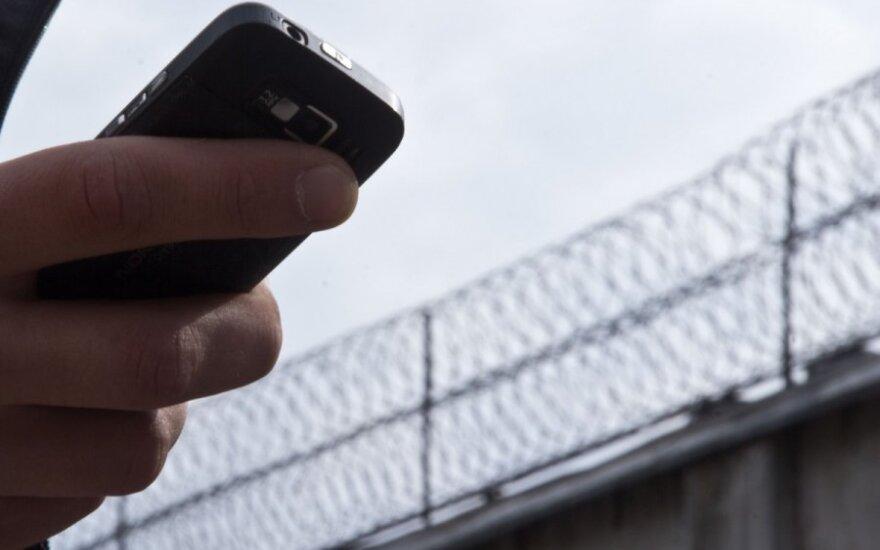 Nutarė bausti valstybę: telefoninių sukčių aukoms – kompensacijos