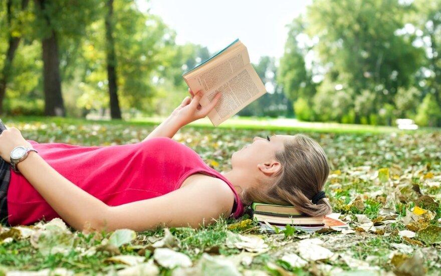 Skatinti jaunimą skaityti padeda netradiciniai sprendimai