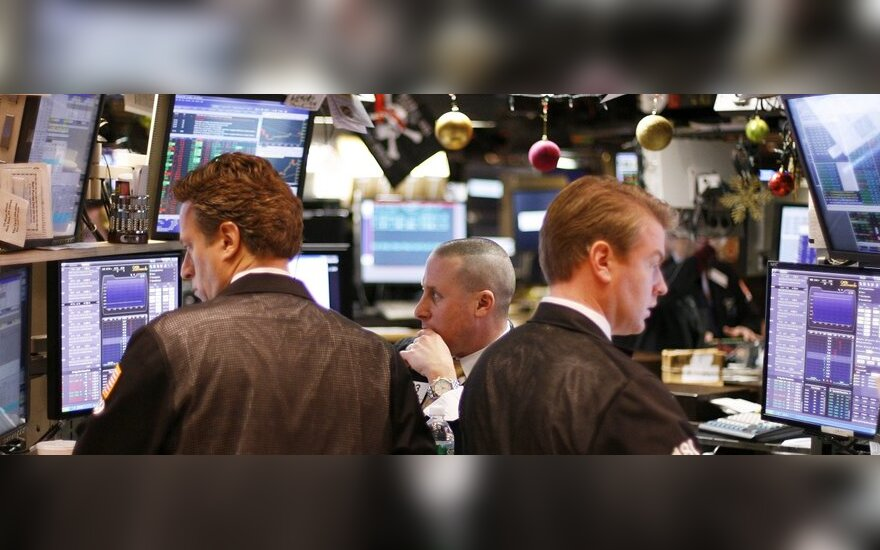 JAV akcijų indeksai ketvirtadienį kyla