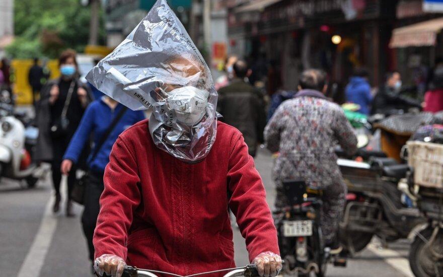 Nerimo signalai iš Kinijos: imasi kontroliuoti tyrimus apie koronaviruso kilmę