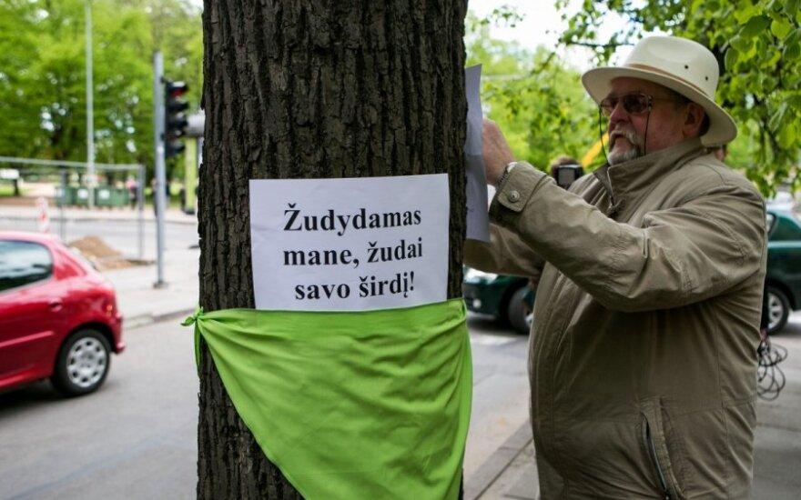 Protesto akcija prieš drastišką medžlių kirtimą/ Asociatyvi nuotr.