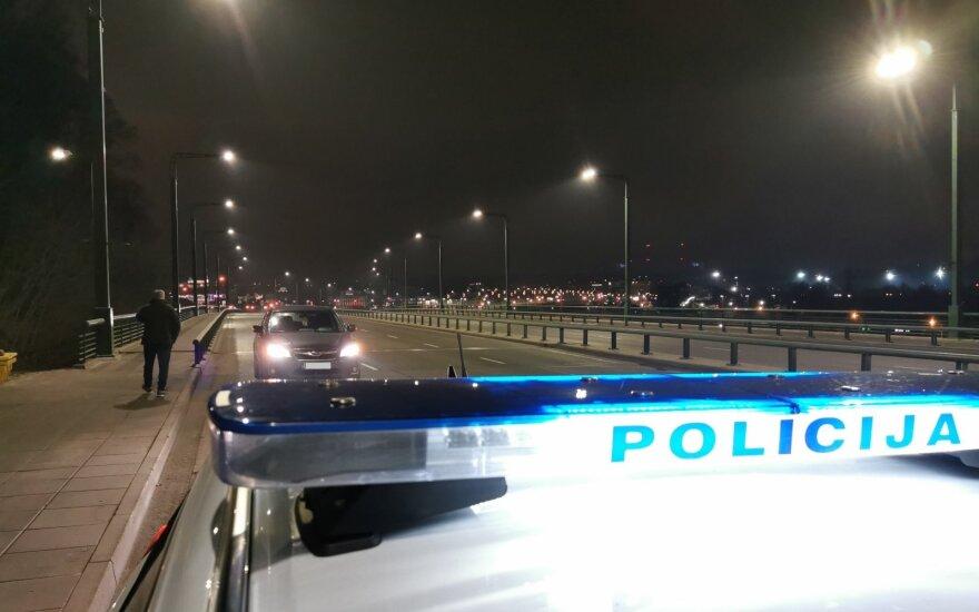 Kauno pareigūnai toliau tikrina, kaip vairuotojai laikosi KET: nustatyta daugiau nei 2500 pažeidimų