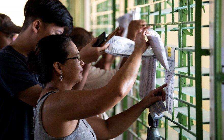 Filipinuose vyksta kadencijos vidurio rinkimai, turintys sustiprinti Duterte valdžią