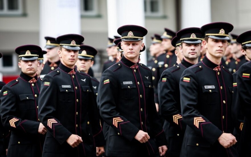 Lithuanian army chief: We will consider conscription, if we don't attract enough volunteers