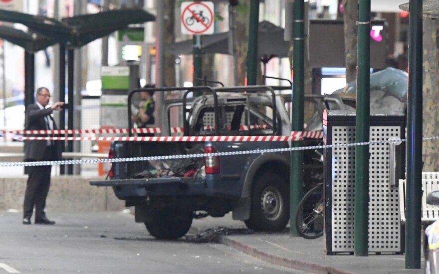 Melburno policija: išpuolis su peiliu tiriamas kaip teroristinis incidentas