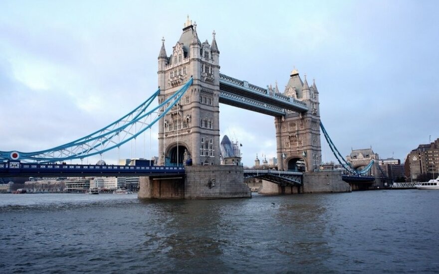 Minister Linkevičius discussed additional Russia sanctions in London